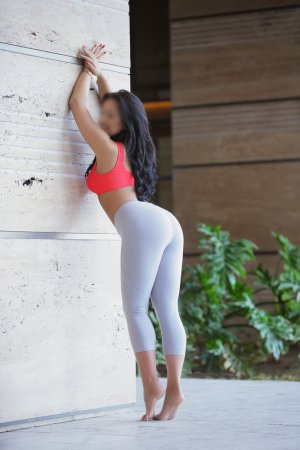 Somaly happy ending massage in Desert Hot Springs California and escorts