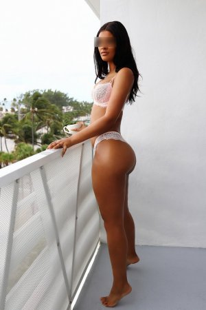 Venusia escort in North Lauderdale & nuru massage