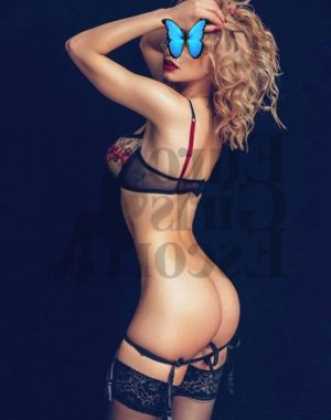 Mavis escort girl and tantra massage