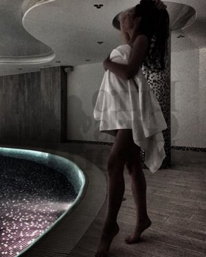 Laurentie happy ending massage in Randolph and escort girls